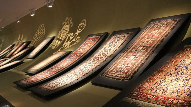 Azerbaijani_carpets_in_Museum_of_Azerbaijani_carpet_2