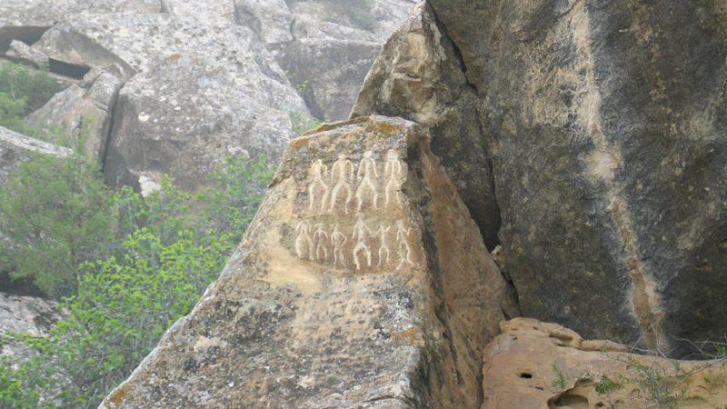 gobustan-petroglyphs3