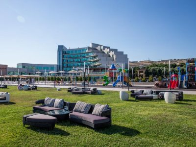ramada-baku-beach-hotel-1