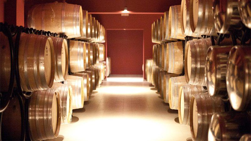 Город кварели в котором находится знаменитый завод вин киндзмараули